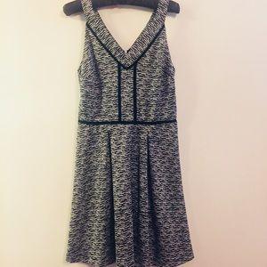 Mossimo Black & White V Neck Dress NWOT (S)